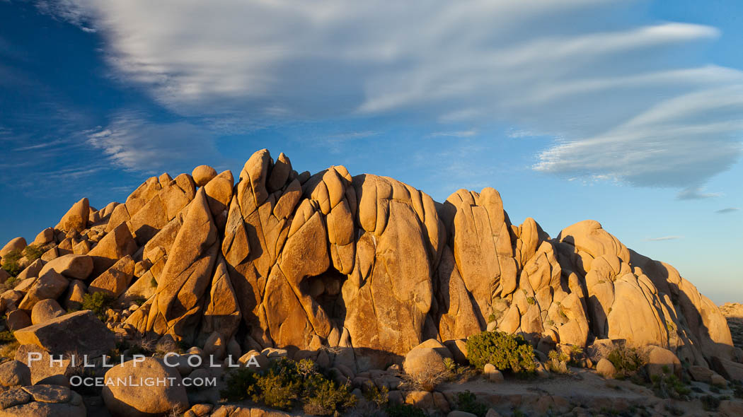 Sunset and boulders, Joshua Tree National Park.  Sunset lights the giant boulders and rock formations near Jumbo Rocks in Joshua Tree N.P. California, USA, natural history stock photograph, photo id 26767