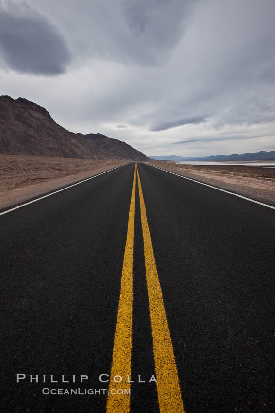 Lonely road, Death Valley. Badwater, Death Valley National Park, California, USA, natural history stock photograph, photo id 25252