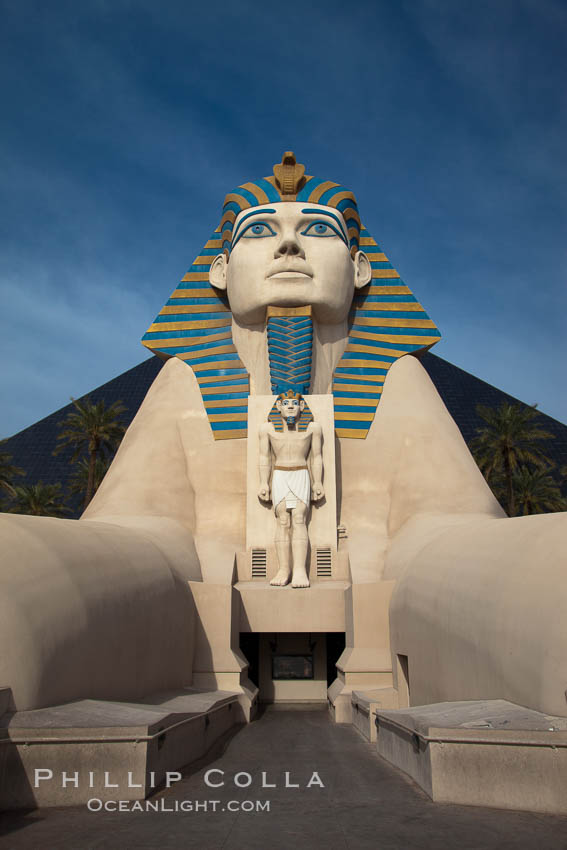 Egyptian Sphinx, replica, front entrance of the Luxor Hotel in Las Vegas. Nevada, USA, natural history stock photograph, photo id 25215