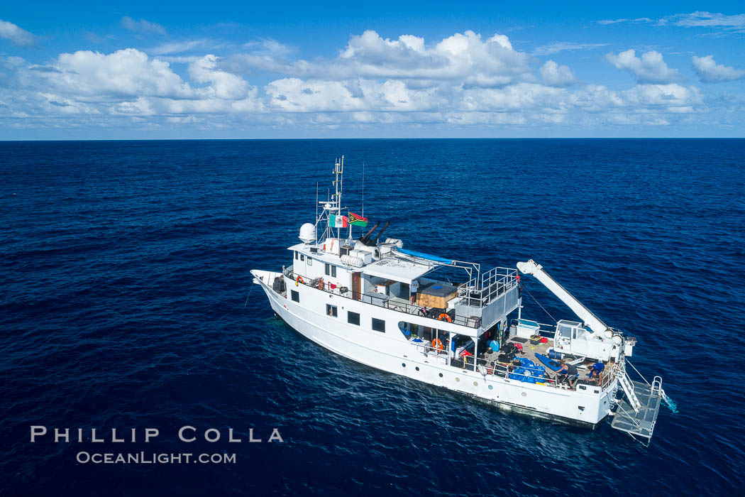M/V Nautilus Undersea at Clipperton Island.  Clipperton Island, a minor territory of France also known as Ile de la Passion, is a small (2.3 sq mi) but  spectacular coral atoll in the eastern Pacific. By permit HC / 1485 / CAB (France)., natural history stock photograph, photo id 32842
