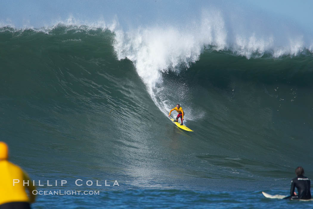 Darryl Flea Virostko, three time Mavericks champion, in heat four.  Mavericks surf contest, February 7, 2006. Mavericks, Half Moon Bay, California, USA, natural history stock photograph, photo id 15337
