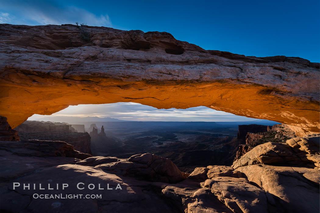 Mesa Arch Sunrise, Canyonlands National Park, Utah. Mesa Arch, Canyonlands National Park, Utah, USA, natural history stock photograph, photo id 29301