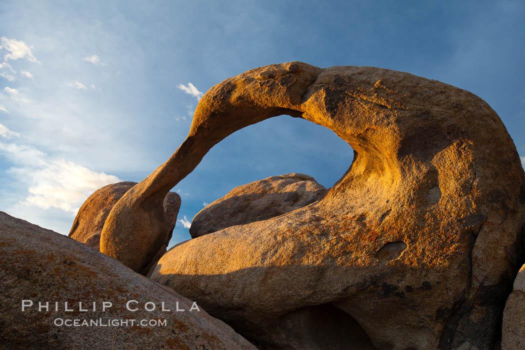 Mobius Arch, sunrise. Alabama Hills Recreational Area, California, USA, natural history stock photograph, photo id 27649