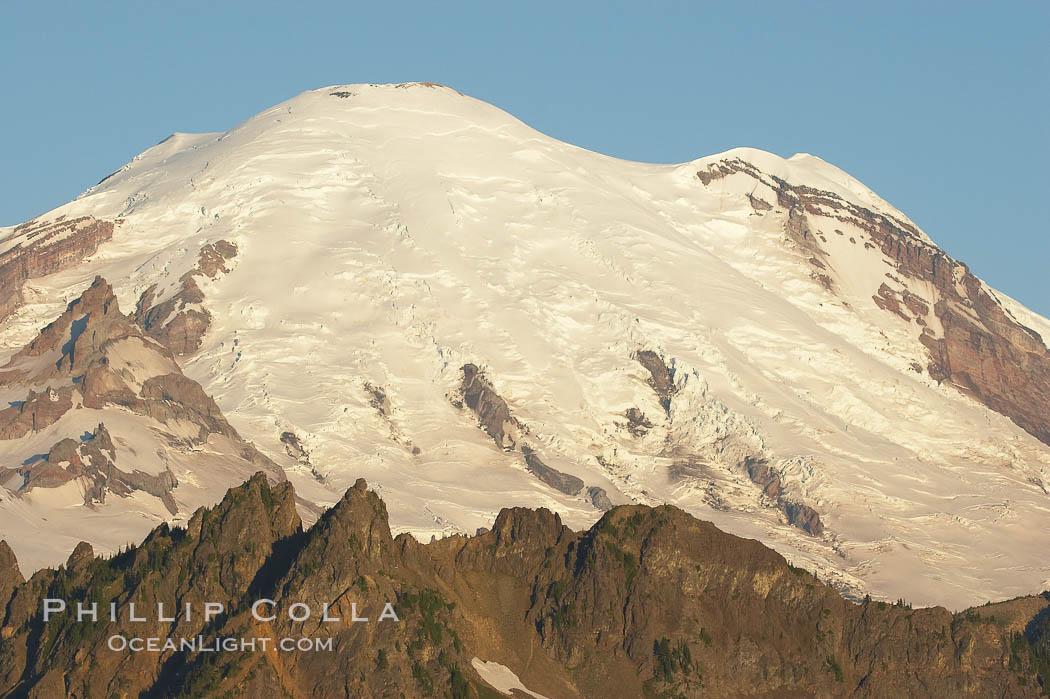 Mount Rainier rises above Governors Ridge, Emmons Glacier. Mount Rainier National Park, Washington, USA, natural history stock photograph, photo id 13874