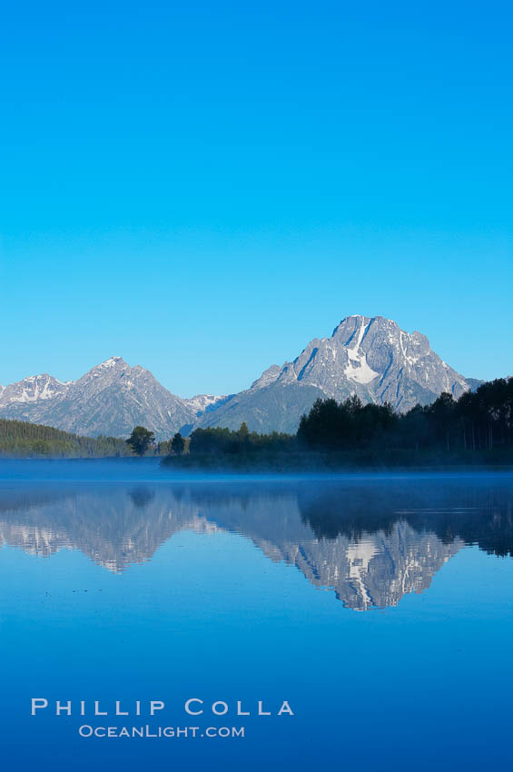 Mount Moran rises above the Snake River at Oxbow Bend. Oxbow Bend, Grand Teton National Park, Wyoming, USA, natural history stock photograph, photo id 13034