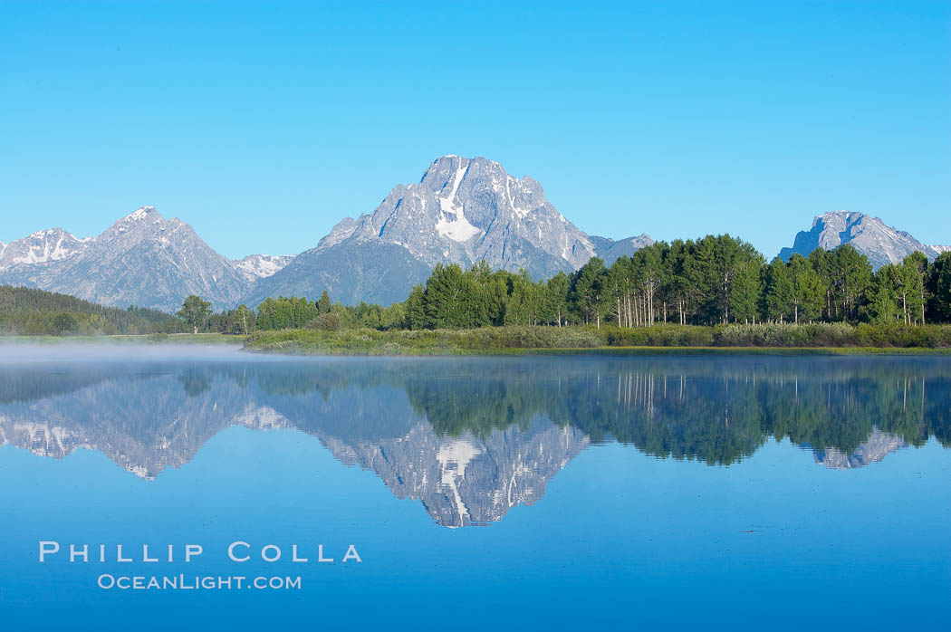 Mount Moran rises above the Snake River at Oxbow Bend. Oxbow Bend, Grand Teton National Park, Wyoming, USA, natural history stock photograph, photo id 13036