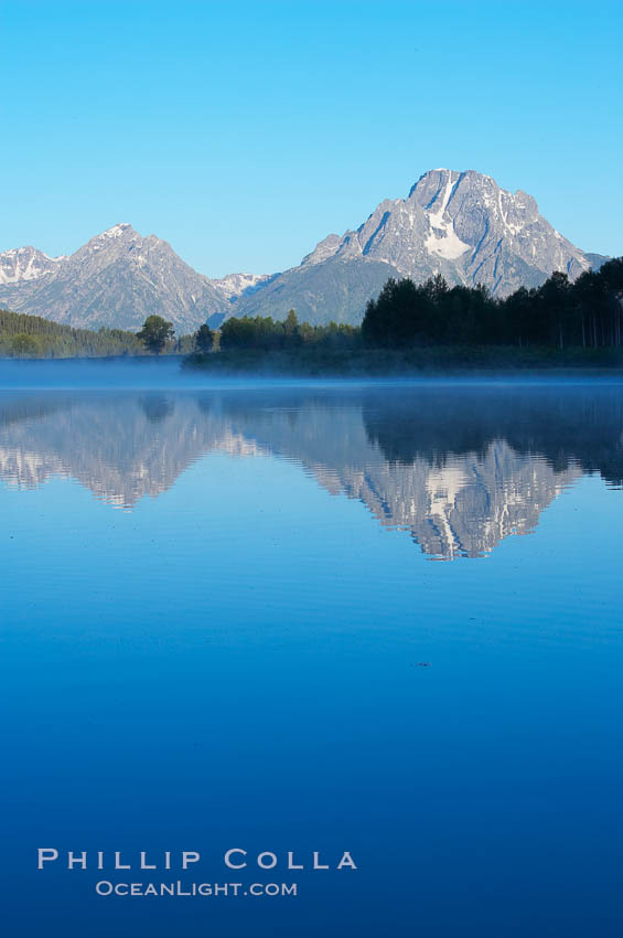 Mount Moran rises above the Snake River at Oxbow Bend. Oxbow Bend, Grand Teton National Park, Wyoming, USA, natural history stock photograph, photo id 13035