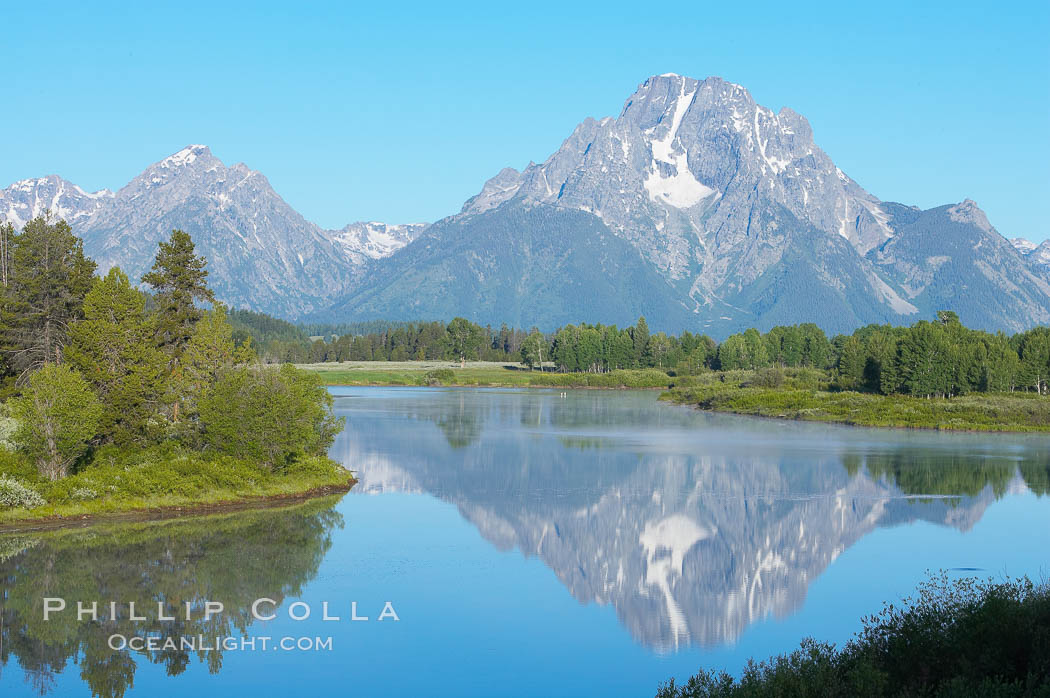 Mount Moran rises above the Snake River at Oxbow Bend. Grand Teton National Park, Wyoming, USA, natural history stock photograph, photo id 13029