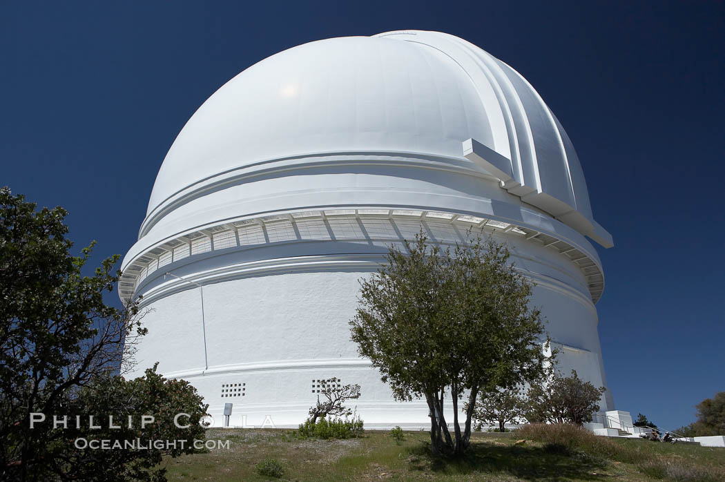 The Palomar Observatory, located in north San Diego County California, is owned and operated by the California Institute of Technology. The Observatory supports the research of the Caltech faculty, post-doctoral fellows and students, and the researchers at Caltechs collaborating institutions. Palomar Observatory is home to the historic Hale 200-inch telescope. Other facilities on the mountain include the 60-inch, 48-inch, 18-inch and the Snoop telescopes. Palomar Observatory, San Diego, California, USA, natural history stock photograph, photo id 12700