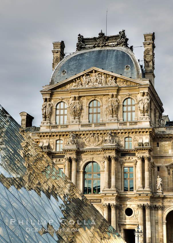 Pavilion Richelieu and Pyramide du Louvre, Musee du Louvre. Musee du Louvre, Paris, France, natural history stock photograph, photo id 28194