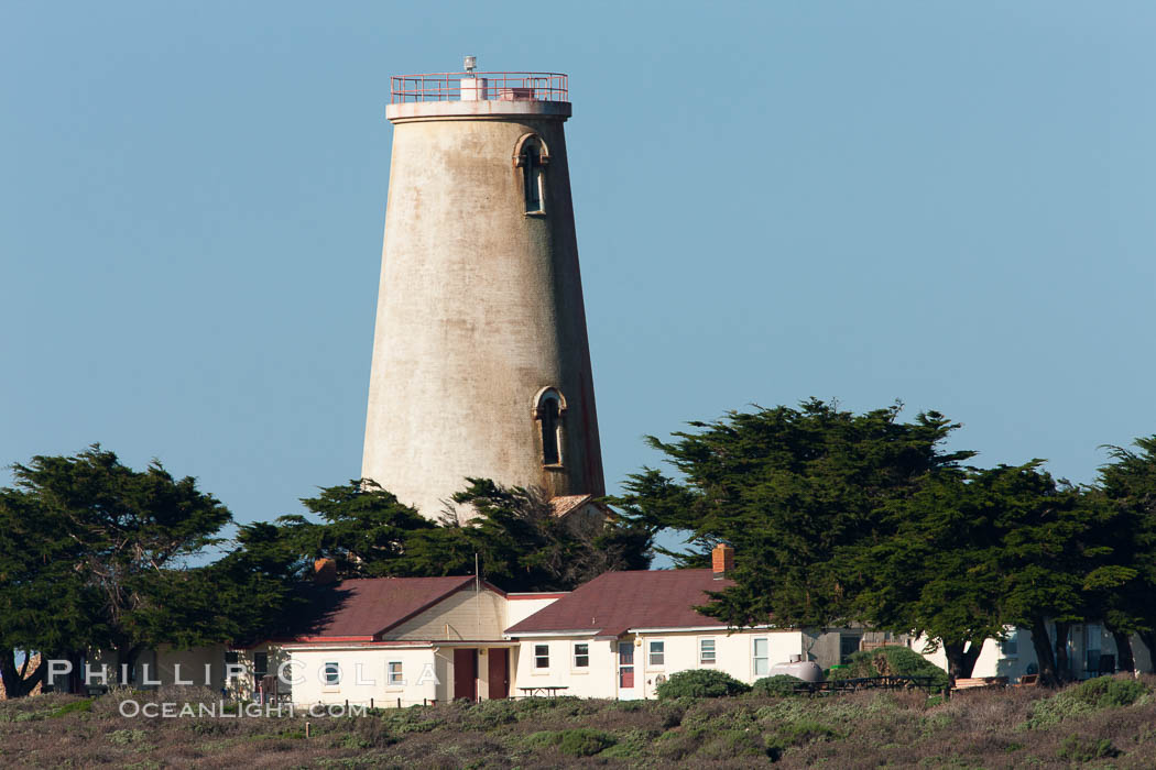 Piedras Blancas lighthouse., natural history stock photograph, photo id 26713