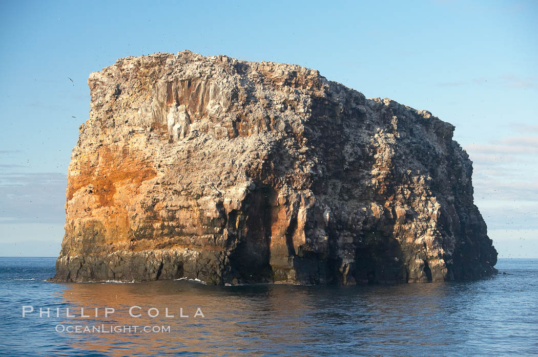 Roca Redonda (round rock), a lonely island formed from volcanic forces, in the western part of the Galapagos archipelago. Galapagos Islands, Ecuador, natural history stock photograph, photo id 16641