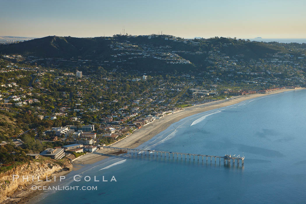 Scripps Pier, with Mount Soledad and La Jolla in the distance. La Jolla, California, USA, natural history stock photograph, photo id 22358