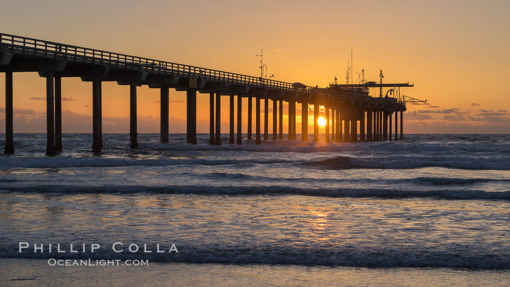 Scripps Pier at sunset. Scripps Institution of Oceanography, La Jolla, California, USA, natural history stock photograph, photo id 29171