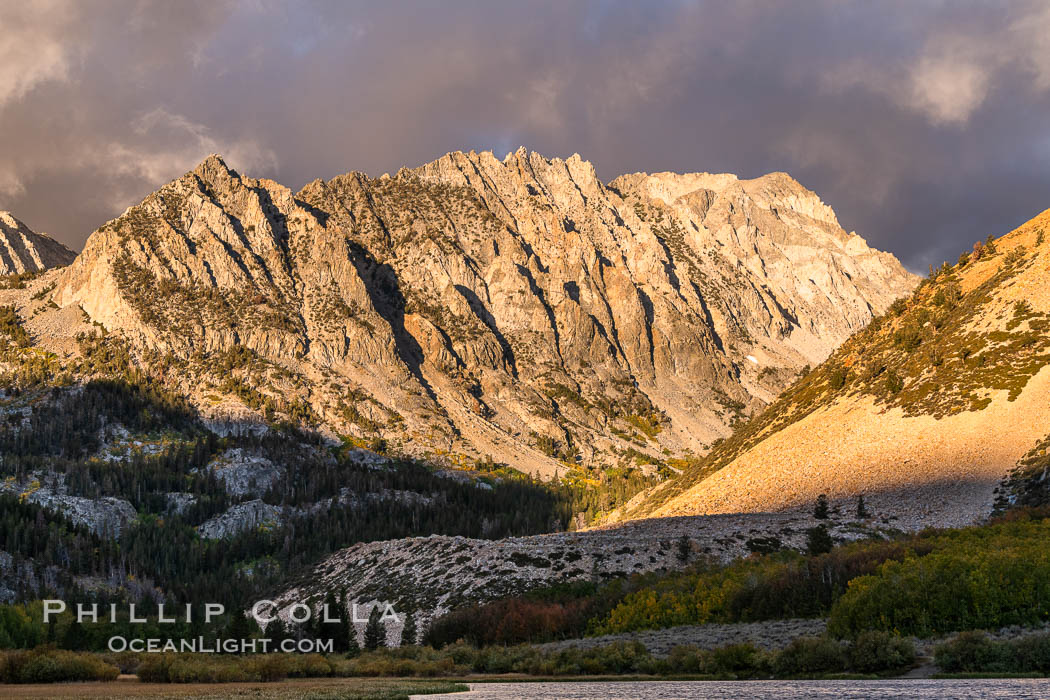 Sunrise on Paiute Peak, over North Lake in the eastern Sierra Nevada. Bishop Creek Canyon, Sierra Nevada Mountains, California, USA, natural history stock photograph, photo id 35831