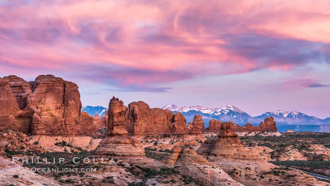 Sunset over Garden of the Gods, Arches National Park. Utah, USA, natural history stock photograph, photo id 29264