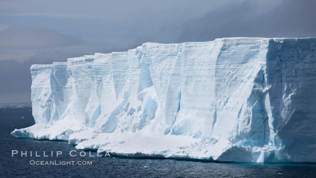 Image 24783, Tabular iceberg in the Antarctic Sound. Antarctic Sound, Antarctic Peninsula, Antarctica