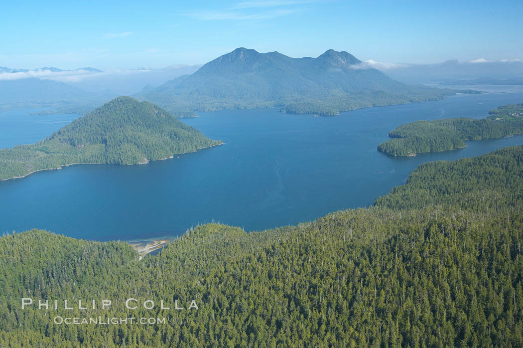 Flores Island (foreground) and Clayoquot Sound, aerial photo, near Tofino on the west coast of Vancouver Island. British Columbia, Canada, natural history stock photograph, photo id 21099