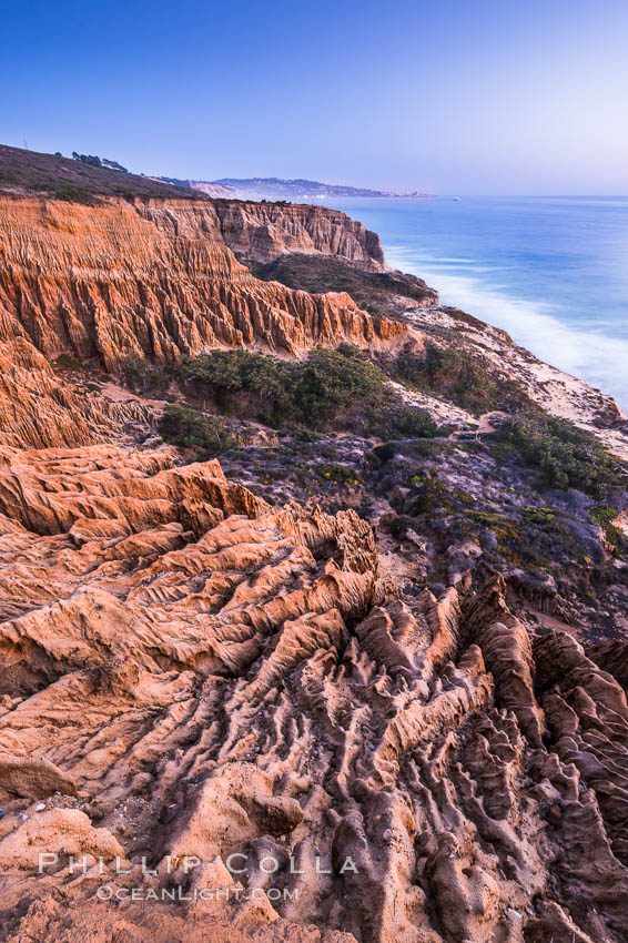 Torrey Pines Cliffs and Pacific Ocean, Razor Point view to La Jolla, San Diego, California. Torrey Pines State Reserve, San Diego, California, USA, natural history stock photograph, photo id 28485