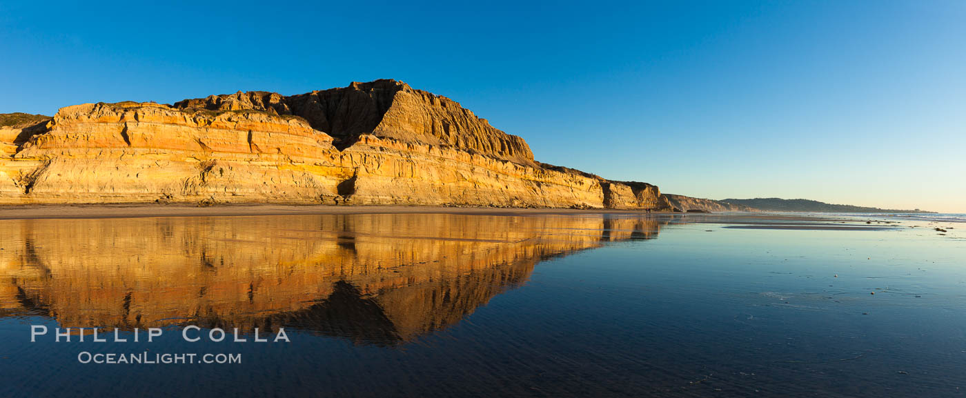 Torrey Pines State Beach, sandstone cliffs rise above the beach at Torrey Pines State Reserve. Torrey Pines State Reserve, San Diego, California, USA, natural history stock photograph, photo id 27254