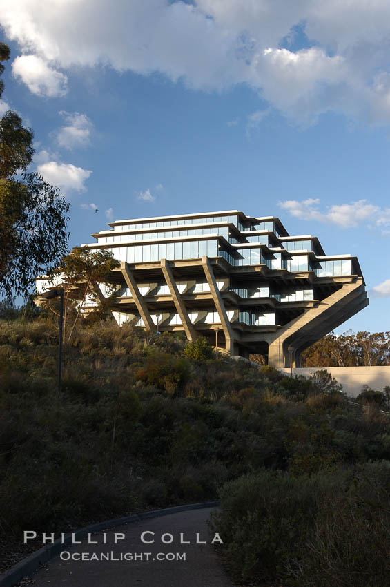 UCSD Library (Geisel Library, UCSD Central Library). University of California, San Diego, La Jolla, USA, natural history stock photograph, photo id 06459