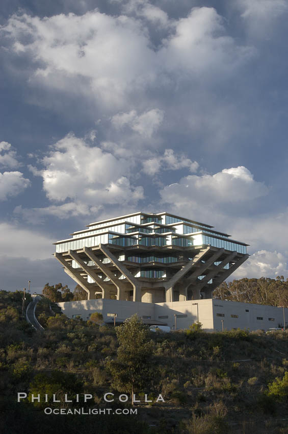 UCSD Library (Geisel Library, UCSD Central Library). University of California, San Diego, La Jolla, USA, natural history stock photograph, photo id 06457