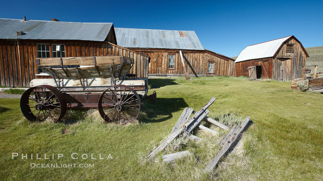 Wagon and Miner's Union Hall. Bodie State Historical Park, California, USA, natural history stock photograph, photo id 23135