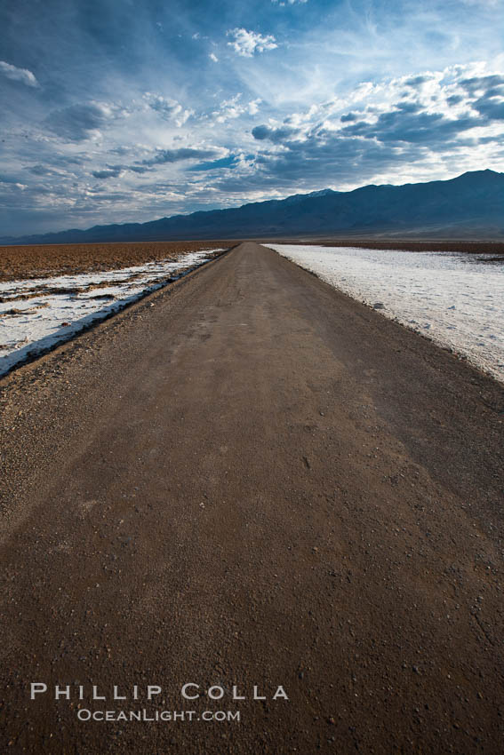 West Side Road cuts across the Badwater Basin. Death Valley National Park, California, USA, natural history stock photograph, photo id 25301