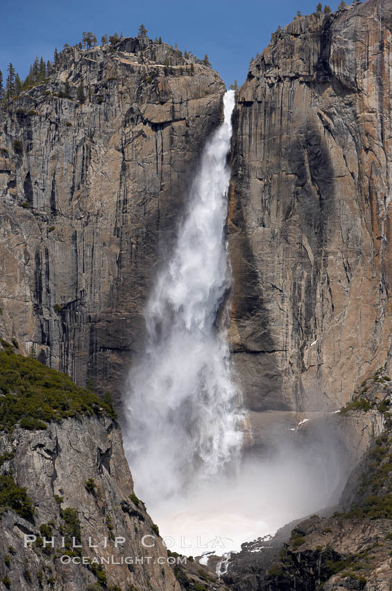 Upper Yosemite Falls near peak flow in spring.  Yosemite Falls, at 2425 feet tall (730m) is the tallest waterfall in North America and fifth tallest in the world.  Yosemite Valley. Yosemite Falls, Yosemite National Park, California, USA, natural history stock photograph, photo id 16066